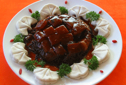 Braised pork with preserved vegetables
