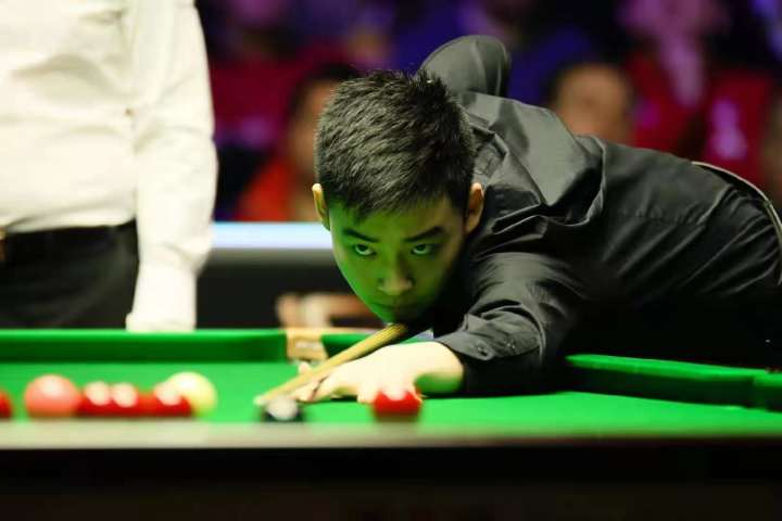 Young snooker player upsets China's top player twice