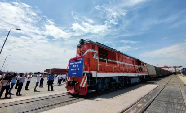 China-Europe freight train takes Shengzhou tea to Middle East