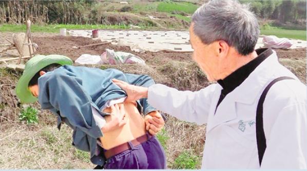 'Barefoot doctor' walks over 400,000 km in 50 years