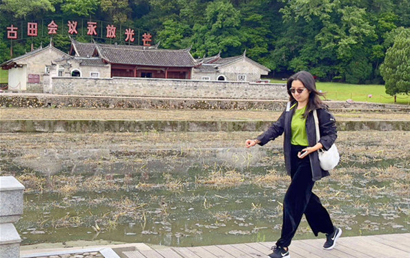 Tour guide retraces her journey to revolutionary sight