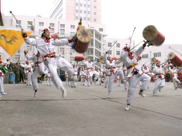 Lanzhou Taiping Drum dance: moving to the beats.jpeg