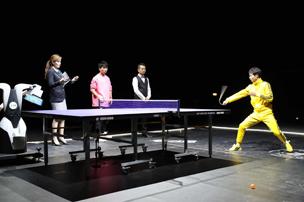 Record set for hitting ping-pong balls with nunchaku