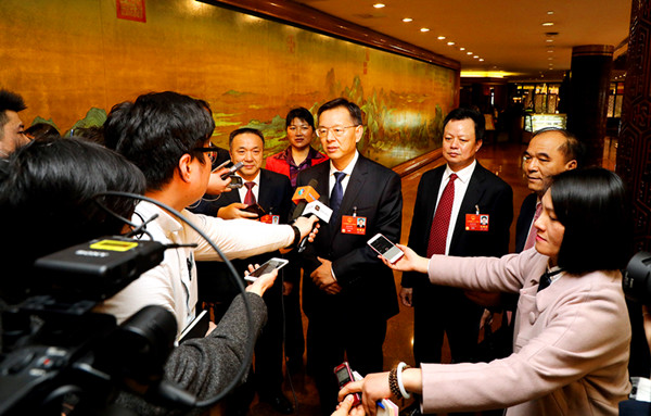 Zhanjiang NPC deputies stress importance of transport construction