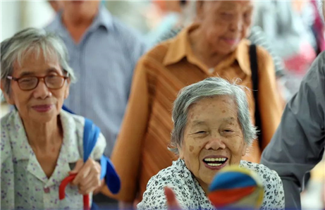 Zhanjiang focuses on care for elderly at Double Ninth Festival