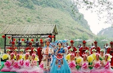 Hechi hosts tourism festival