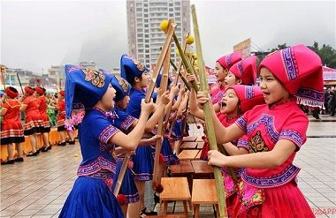 Stick Dance: a national intangible cultural heritage in Du'an
