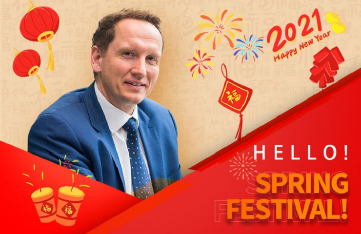 Spring Festival 'blooms' for foreigner in Guangzhou