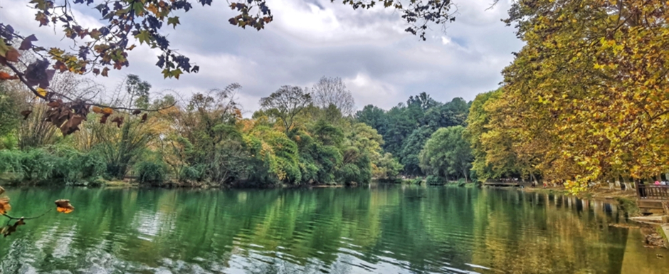 Huaxi district offers charming fall scenery