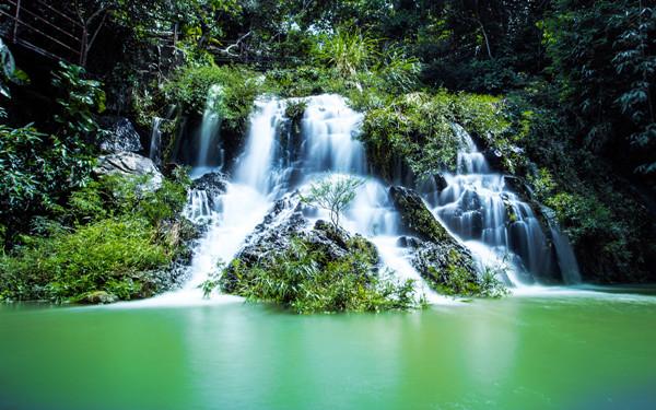 Yanoda Rainforest Cultural Tourism Zone (Baoting county)