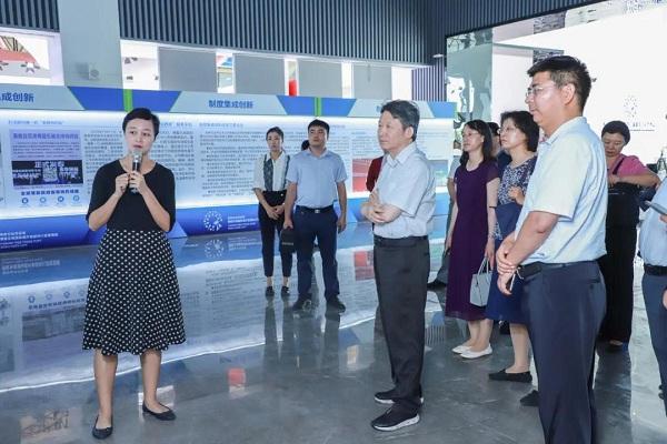 Чиновники ДРК посетили Лэчэн