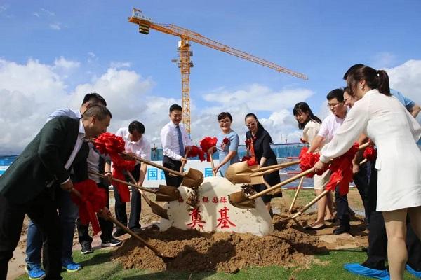 Больница Лэин начинает строительство в Лэчэне