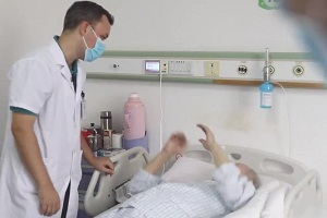 Medicine without borders: American doctor's dedication to Hainan