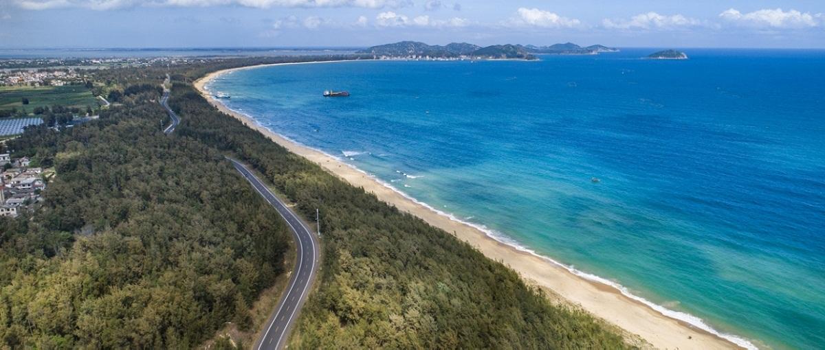 Beautiful tourist highway in Hainan