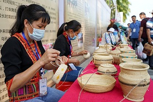 Sanya celebrates traditional Sanyuesan Festival
