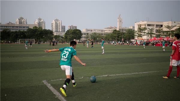 海南大学院际杯足球赛1.png