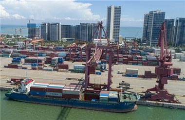 Li Renjun calls for Hainan FTP to develop offshore trade