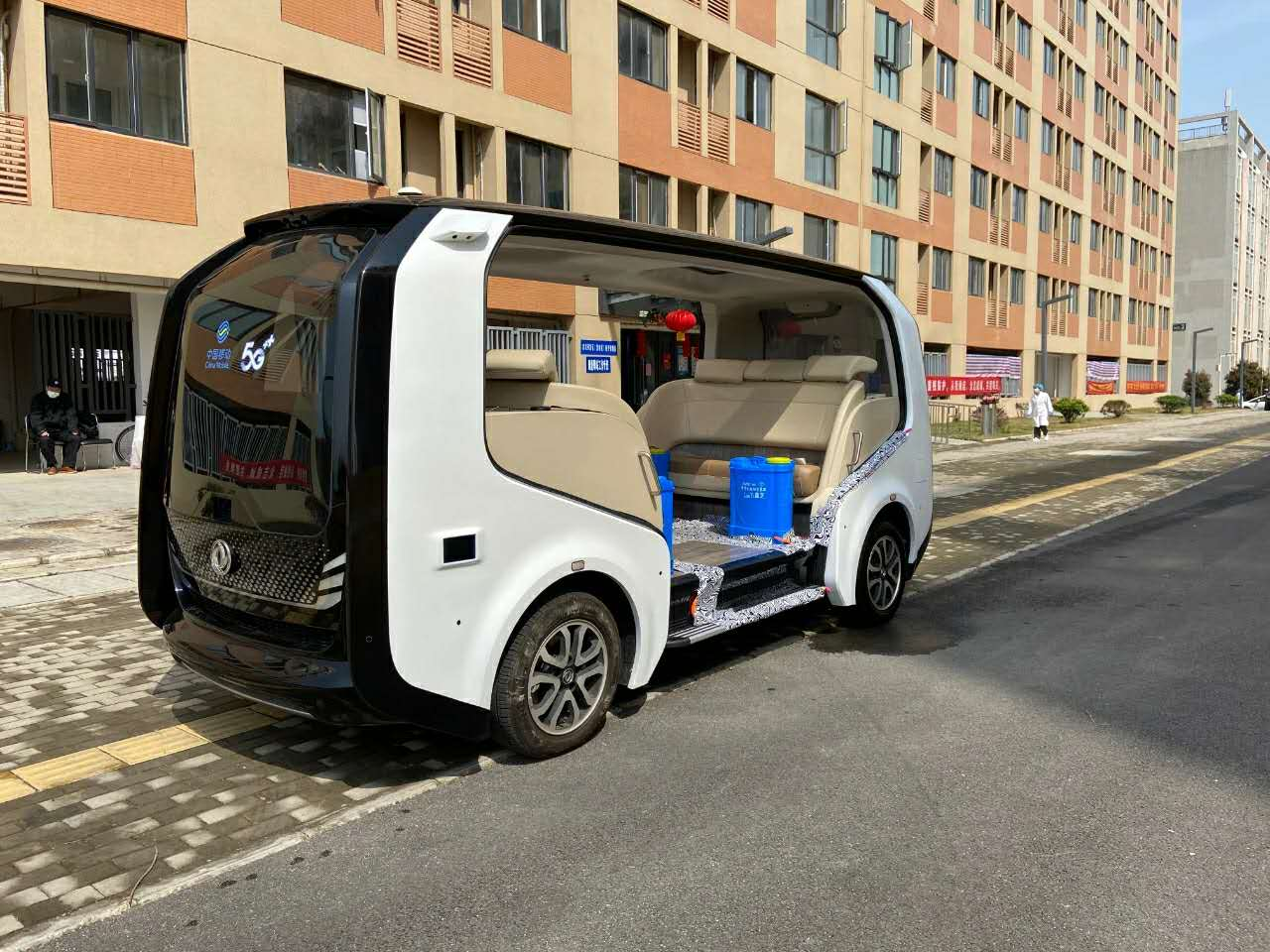 Automatic driving vehicle boosts virus prevention, control