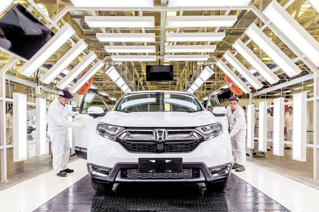 Dongfeng partners up with Faurecia for next-generation autos