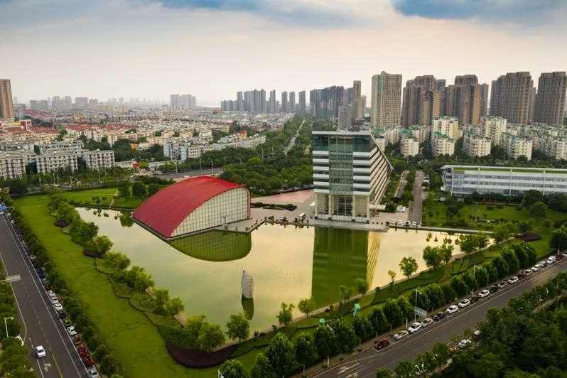 Dongfeng Motor Co führt die Unternehmen von Wuhan an