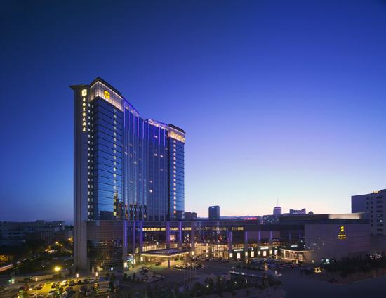 SLHH-Gallery-Hotel-Exterior-Night-Shot.jpg