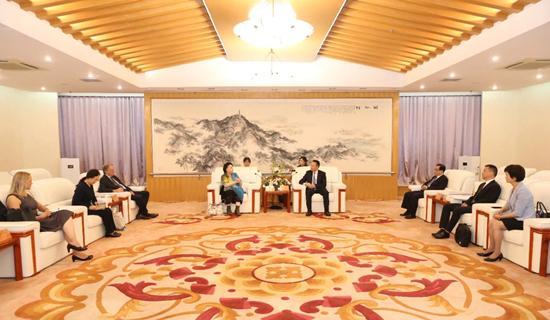 German delegation seeks exchanges and cooperation in Huzhou