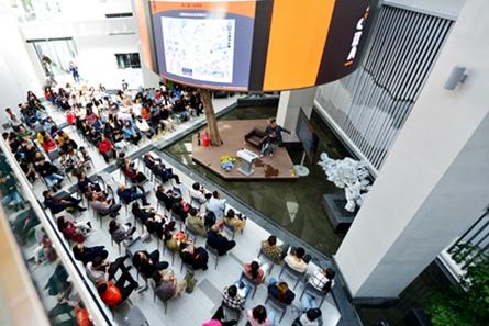 Designers hold a forum at Inner Mongolia Normal University (IMNU) in Hohhot, Inner Mongolia autonomous region on Sept 20..jpg