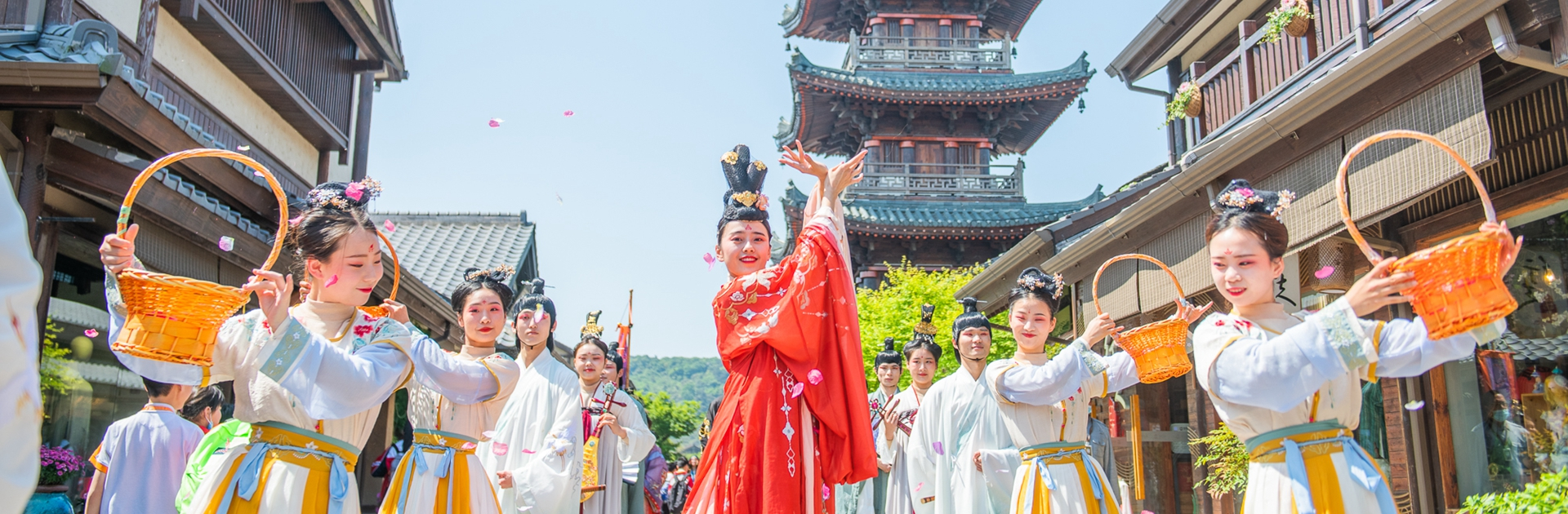 Binhu's wealth of attractions prove popular with sightseers