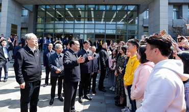 Premier Li urges opening-up and innovation in Jiangsu