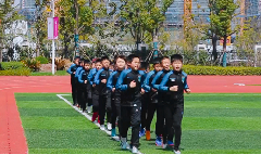Nantong primary school's football team attracts foreign media