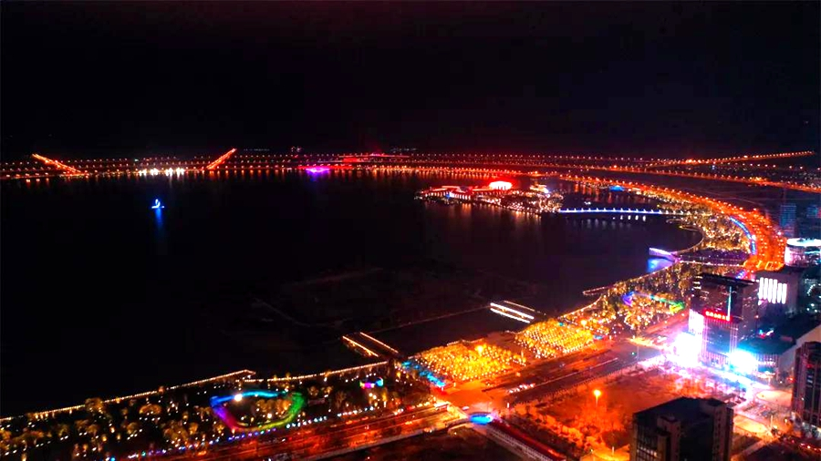 stunning lights herald Chinese New Year in Lin-gang area1.jpg