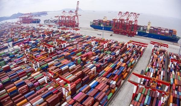 Shanghai eyes glory as shipping hub.jpeg