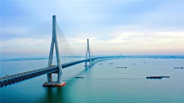沪苏公铁长江大桥-600.png