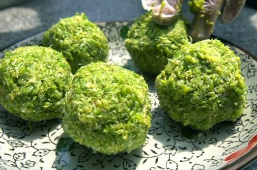 Seasonal snack: glutinous barley balls