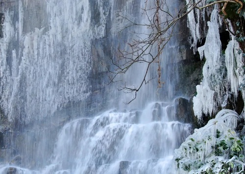 Scenery of icy waterfall in Nantong