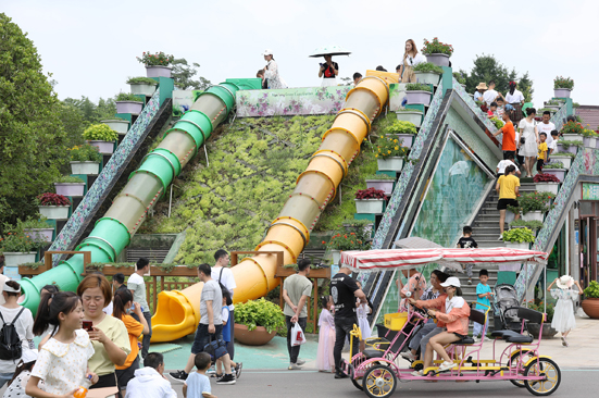 Zhouji Green Expo Garden greets thousands on July 1 free day