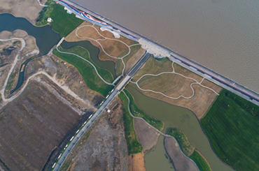 Qidong builds 24/7 river-dyke cleaning system