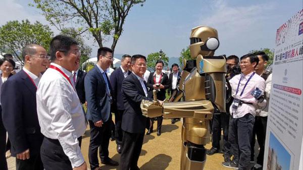 仿生机器人.jpg