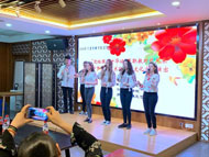 Romanian students volunteer in Ningbo's cultural promotion activity