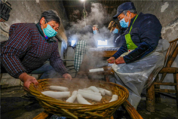 In pics: Ningbo village makes niangao the traditional way