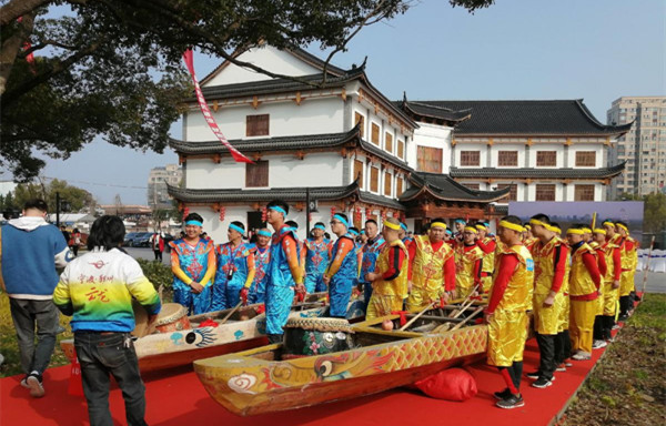 Cruise staged to mark Dragon Heads-raising Day
