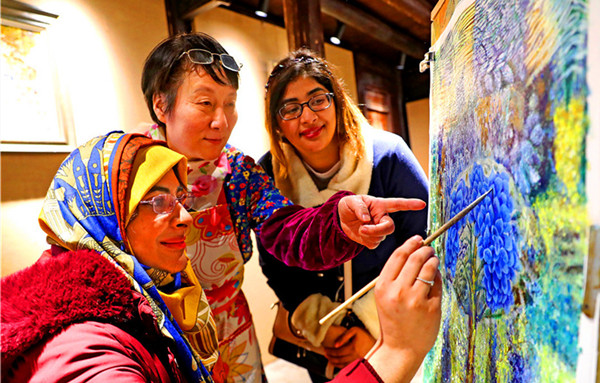 Fishery culture enthralls foreign students