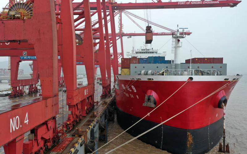 Meishan Port in Zhejiang resumes operations