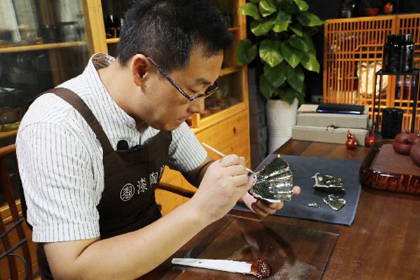 Artisan promotes ancient craft in Ningbo