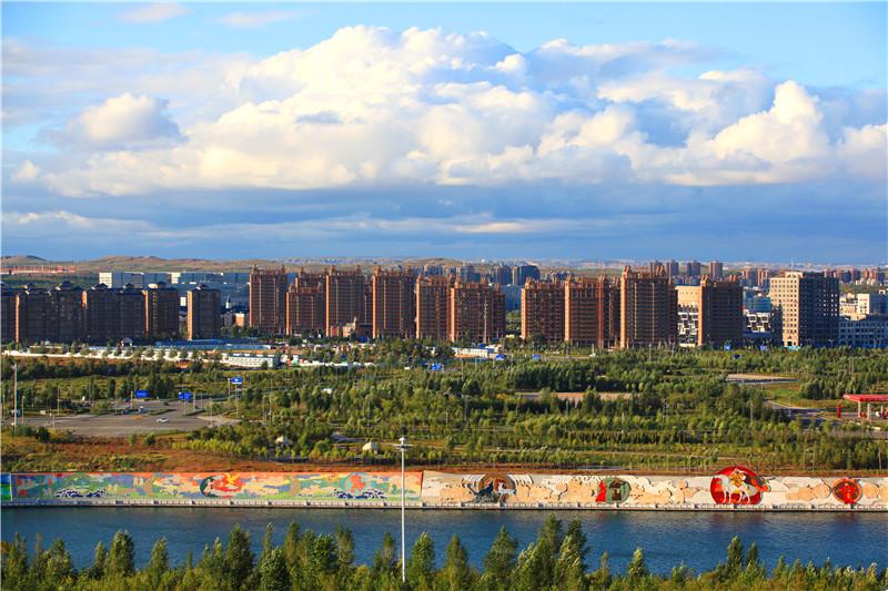 乌兰木伦湖.jpg