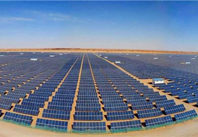 Solar power base in Kubuqi Desert sees construction progress