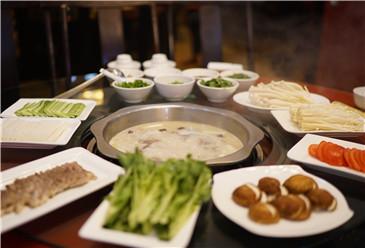 Nanjiang mutton soup (南江黄羊肉汤)