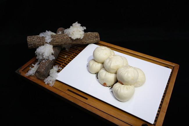 Wulu steamed stuffed bun with tremella stuffing.jpg