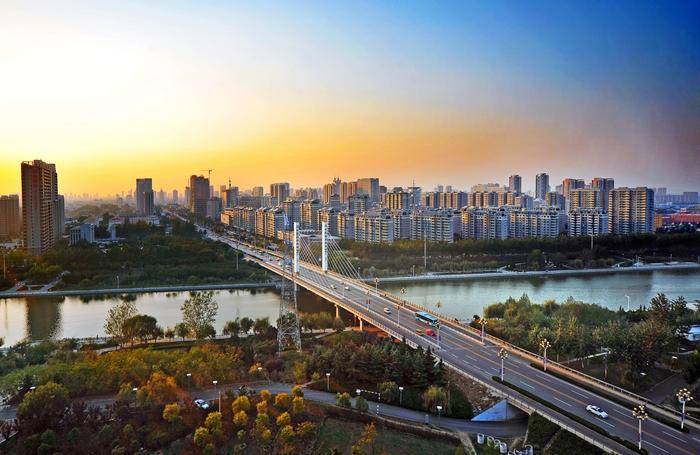 杨国庆 城市建设.jpg