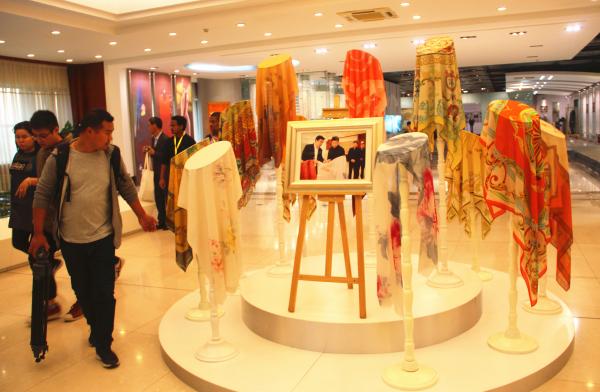 如意生产的该系列产品被选为上合青岛峰会礼品.jpg